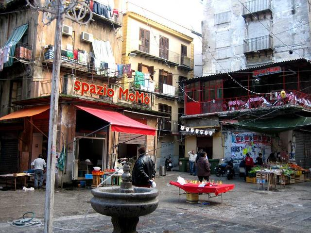 Piazza Caracciolo alla Vucciria - Palermo