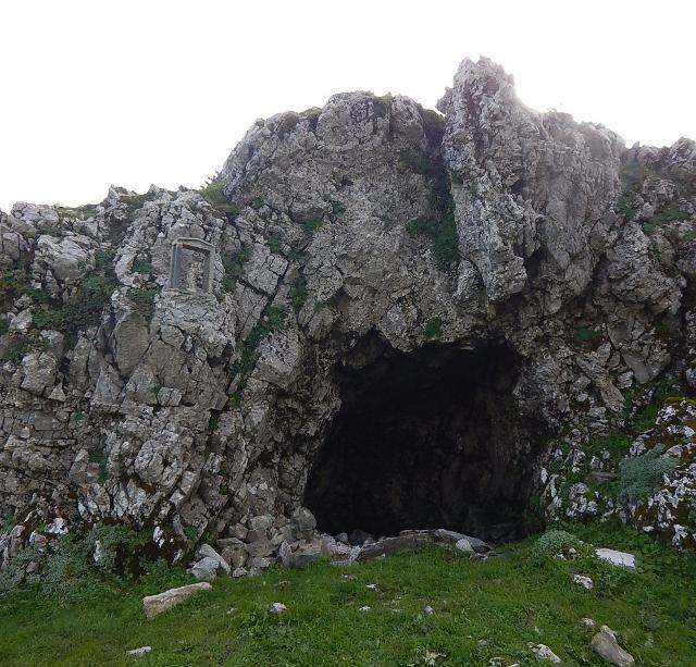 A Truvatura, una grotta di Monte Scuderi