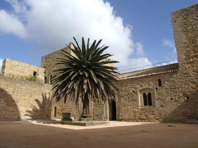 L'atrio del castello normanno di Salemi