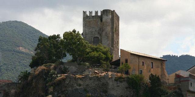 Il castello di Brolo (ME)