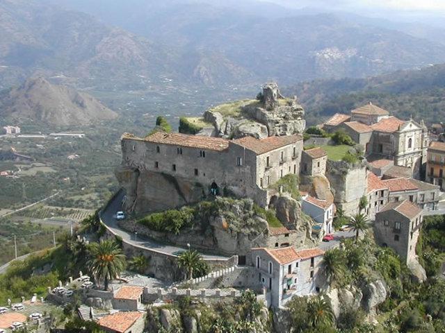 Castello di Lauria - Castiglione di Sicilia (CT)