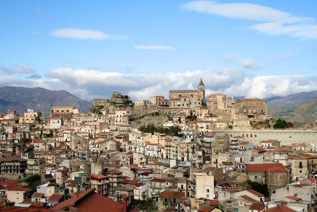 castiglione-di-sicilia-il-paese-presepe