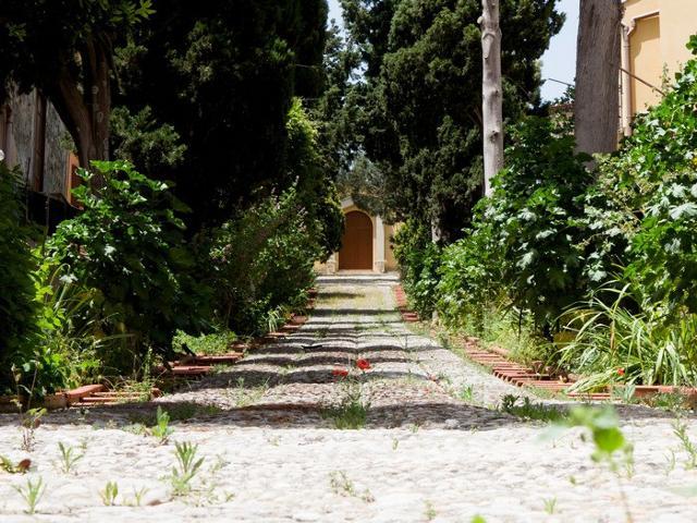 La chiesetta del Calvario a Baucina