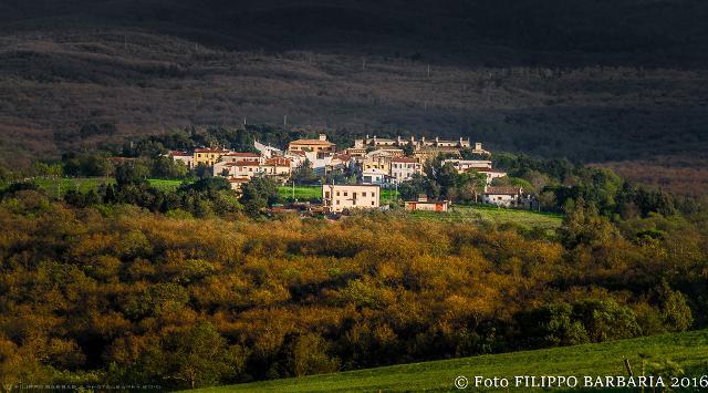 Il piccolo abitato di Ficuzza - ph Filippo Barbaria