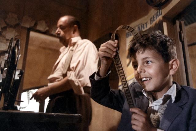Alfredo e Totò in una scena del film