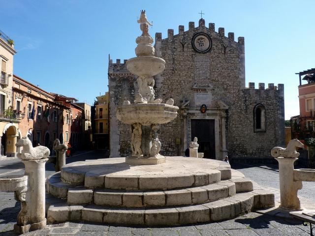 Piazza Duomo - Taormina