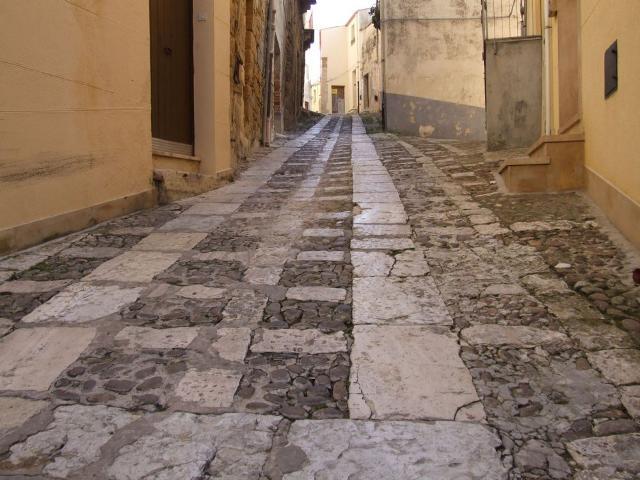 Un vicolo del quartiere ebraico della Giudecca a Salemi