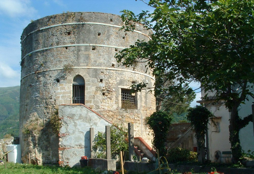 Torre di Federico II d'Aragona