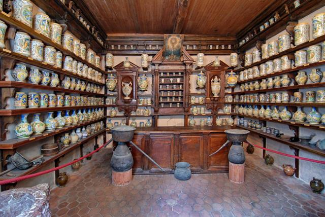L'antica farmacia di Roccavaldina