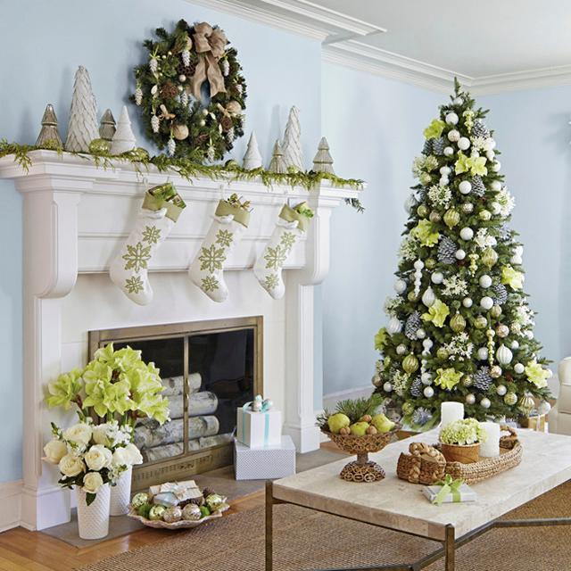 Decoriamo la nostra casa con i colori tradizionali del Natale...