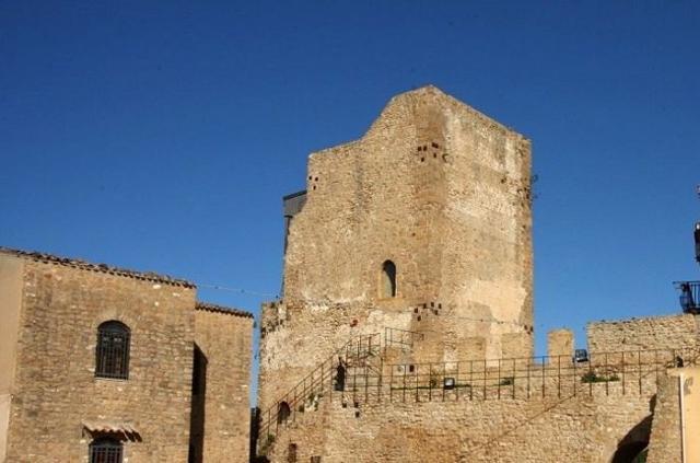 Il Castello normanno di Butera, in Piazza della Vittoria