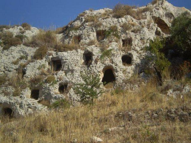 La Necropoli della Montagna - Caltagirone