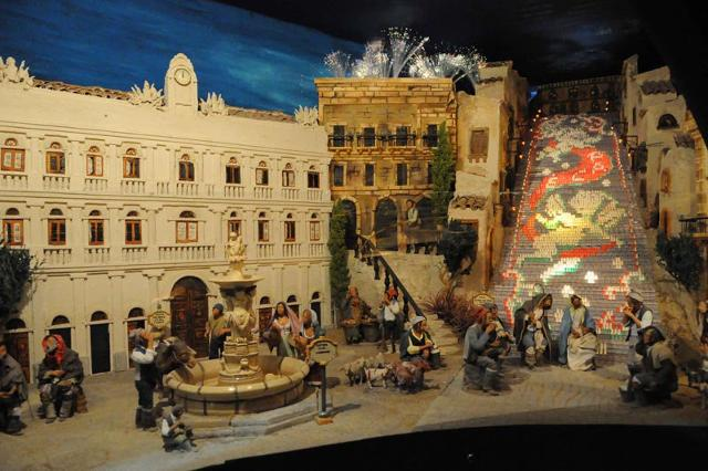 """La Scala di Santa Maria del Monte nel presepe """"Caltagiorne in miniatura"""" - ph Andrea Annaloro"""