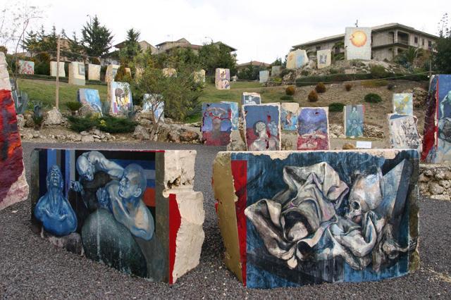 """Il """"Parco della Divina Commedia"""" a Campobello di Licata, l'opera più grandiosa di Silvio Benedetto"""