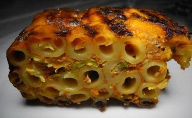 'Lu mpurnatu' (l'infornato) di Campobello di Licata, uno squisito timballo di ziti con ragù di maiale, cavolfiori, uova, pecorino ed altre essenze