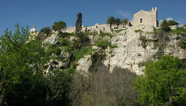 Il Convento e la Chiesa di S. Maria del Gesù dei Frati Minori Osservanti - Ispica