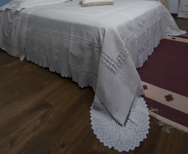 """Un meraviglioso lenzuolo di lino realizzato nel laboratorio de """"La tela di Penelope"""""""