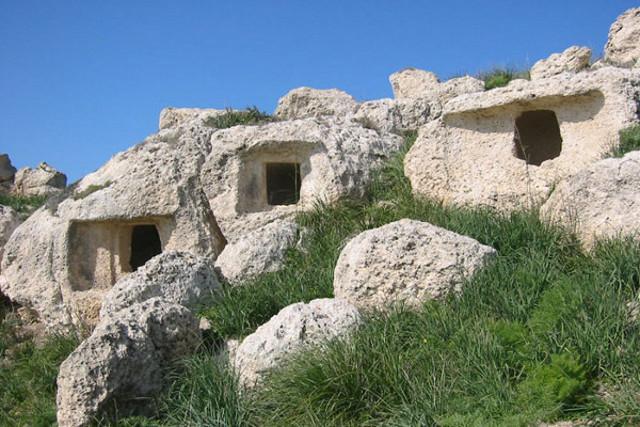 La necropoli di Monte Petrulla - Campobello di Licata