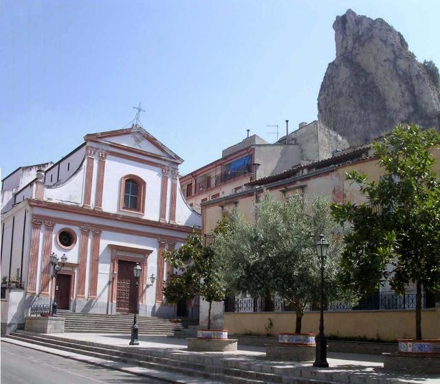La Chiesa Madre di Marineo dedicata a San Ciro, patrono della cittadina