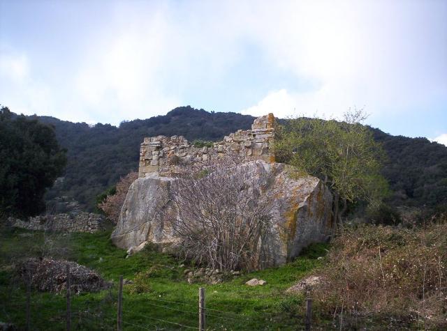 I ruderi del monastero di Santa Maria dell'Artisina