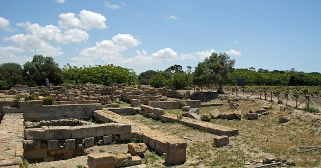 """L'area sacra del santuario di """"Cappiddazzu"""" a Mozia (TP)"""