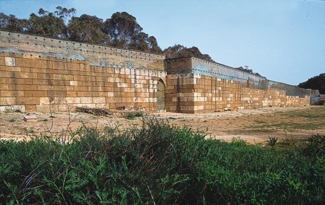 Le imponenti Mura Timoleontee di Gela