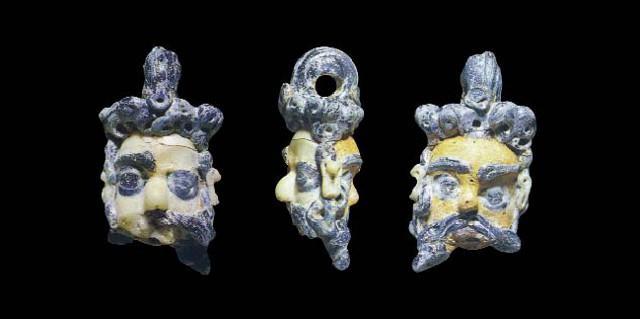 Un pendaglio ritrovato durante gli scavi di Makella - Marineo