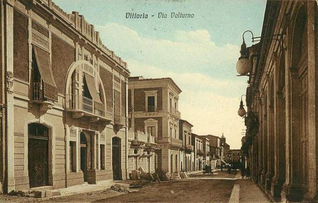 Una cartolina storica di Via Volturno a Vittoria