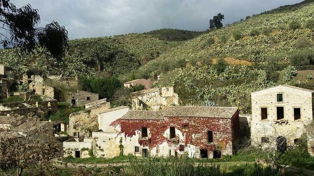 L'antico borgo della Cunziria a Vizzini, luogo d'ambientazione di alcuni romanzi di Giovanni Verga - ph Dafniprs