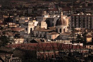 Giarre la città risparmiata dal furore dell'Etna