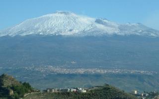 Adrano, antica cittadina immersa nell'incanto del Parco dell'Etna