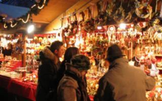 Luci e atmosfere natalizie alla Fiera di Viale Regione Siciliana