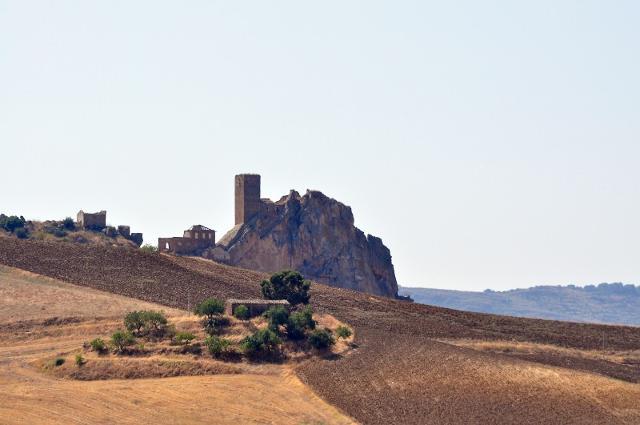 Il solitario castello dei Gresti