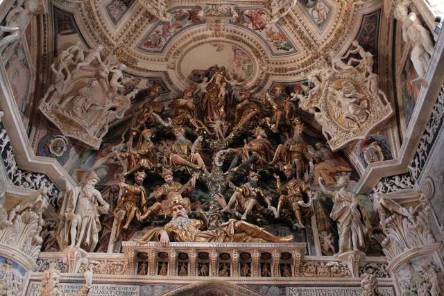 Le decorazioni in terracotta stuccata nel presbiterio della Chiesa di San Giovanni Battista a Castelvetrano