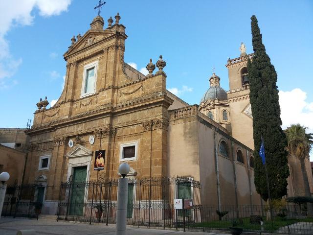 La Chiesa Madre di Alcamo dedicata al culto di Maria Santissima Assunta