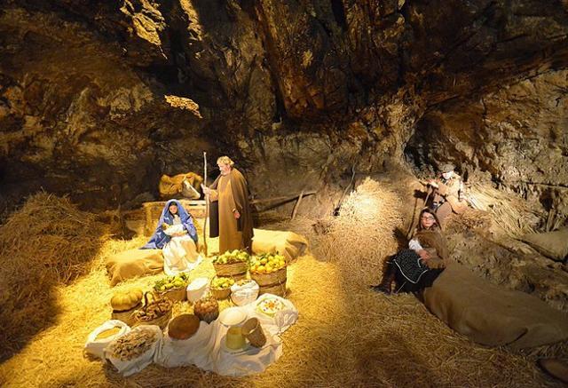 La Natività all'interno della Grotta Mangiapane