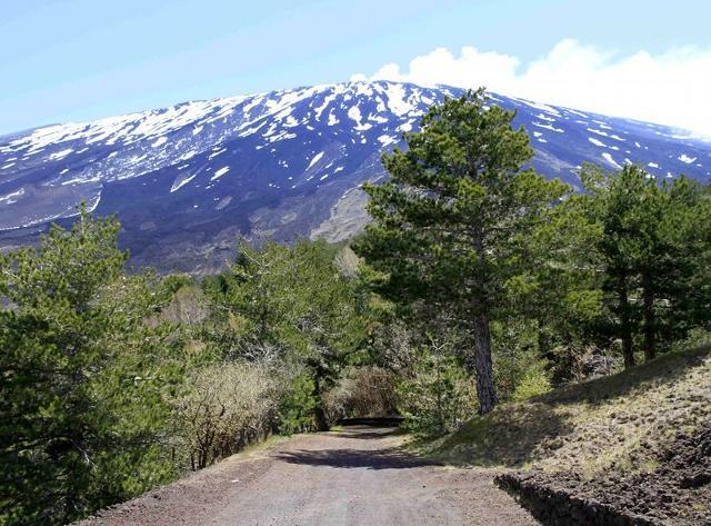 Sentiero alto montano del Parco dell'Etna