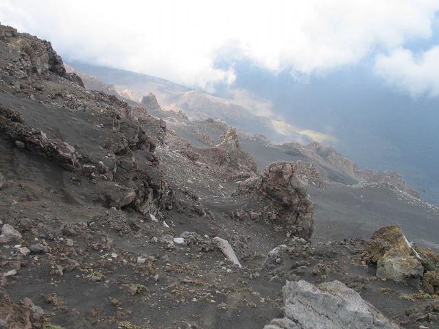l-etna-ad-alta-quota-crateri-sommitali-e-valle-del-bove