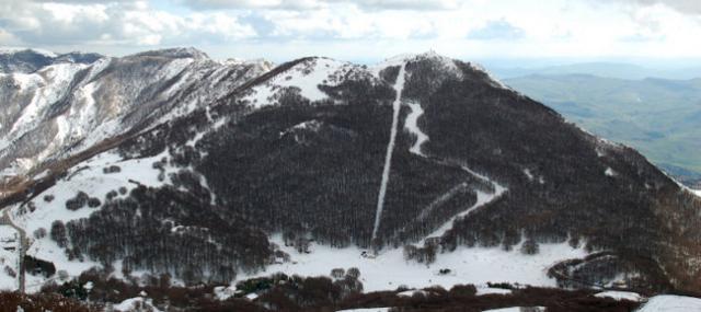 A Piano Battaglia arriva la neve ma gli impianti rimangono chiusi...