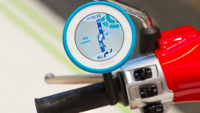 TomTom VIO, il GPS per lo scooter (il mezzo più usato nelle città della Sicilia)