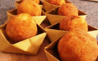 In Sicilia nasce l'Arancinario, il ricettario di arancine e arancini siciliani