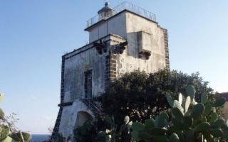 Il Faro di Capo Mulini (CT) diverrà un Hotel di Charme