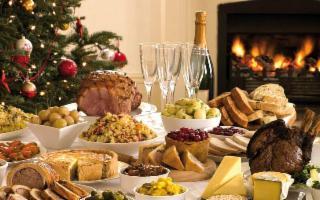 Viaggio gastronomico tra feste e abbuffate