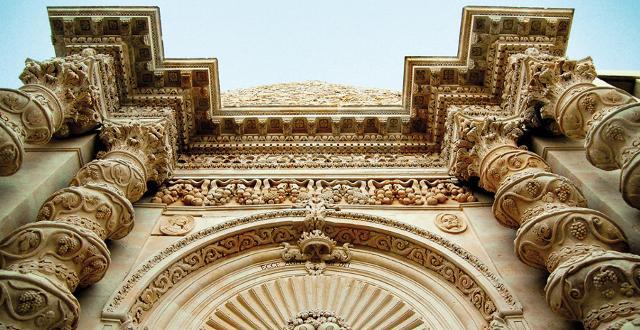 Un particolare della facciata della Chiesa dell'Annunziata - Palazzolo Acreide