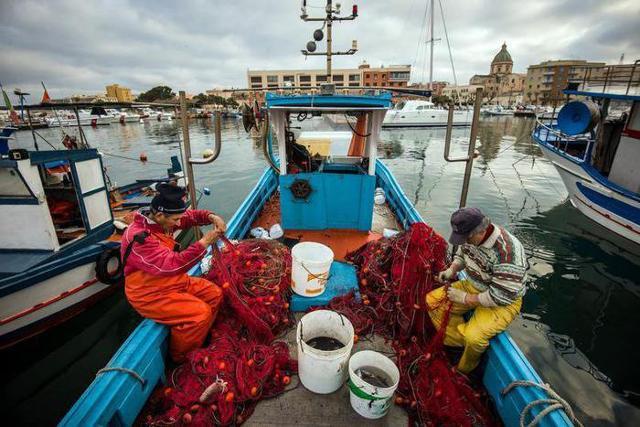 Pesca, più capitale umano e posti di lavoro in Sicilia