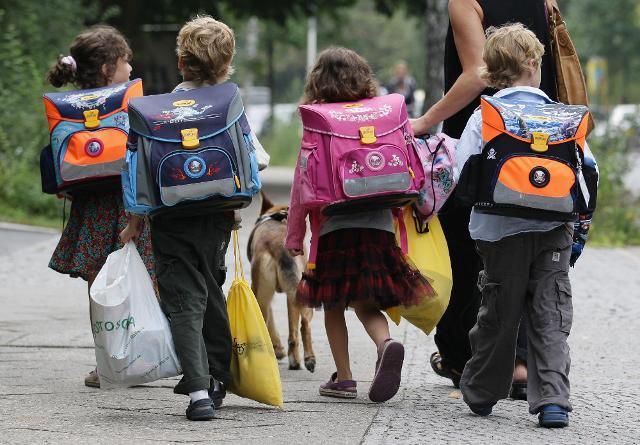 Seguendo qualche giusta accortezza, sulla spesa scolastica è possibile risparmiare sensibilmente e abbattere i costi del 40%...