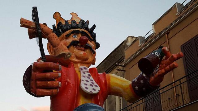 il-carnevale-di-avola-e-le-sue-maschere-tradizionali