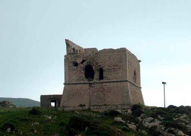 La  Torre di San Carlo si trova nella zona della Marina di Palma