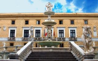 Il Comune di Palermo assume dirigenti, giornalisti e maestre