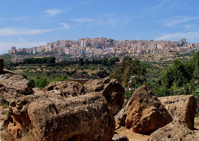 Agrigento vista dalla Valle dei Templi